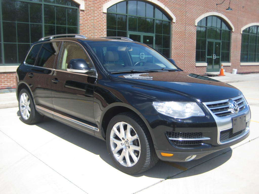 2008 volkswagen touareg 2 v8 for sale in blauvelt ny 10913. Black Bedroom Furniture Sets. Home Design Ideas